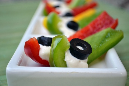 Bell pepper and olive snacks